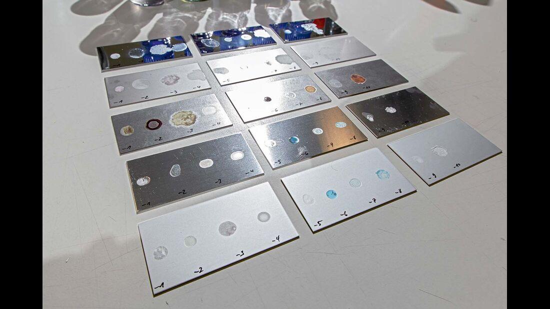 Geprüft wurde auf Stahl, Chrom, Edelstahl und Aluminium.