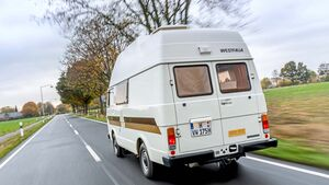 Gerade 3400 km hat der Wagen auf der Uhr. Ein Wunder, dass VW das Schätzchen für die Campingtour überhaupt rausrückte.