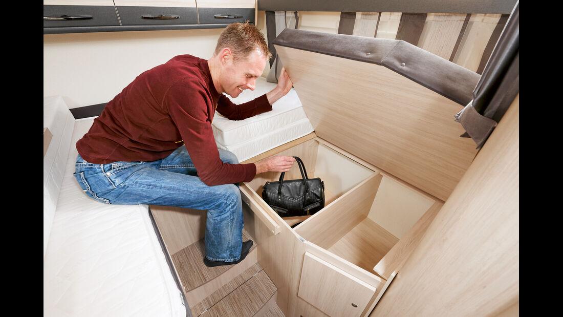 Glattflaechige Garage mit verstellbaren Zurroesen.