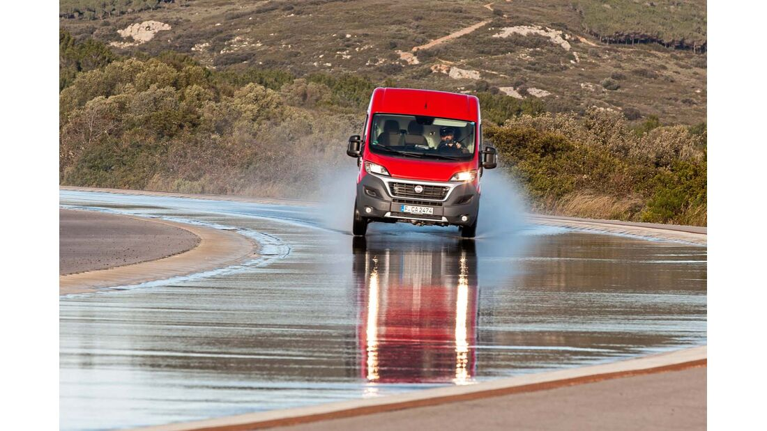 HANDLING Auf dem 1823 Meter langen Handlingkurs zählt die maximale Durchschnittsgeschwindigkeit in km/h.
