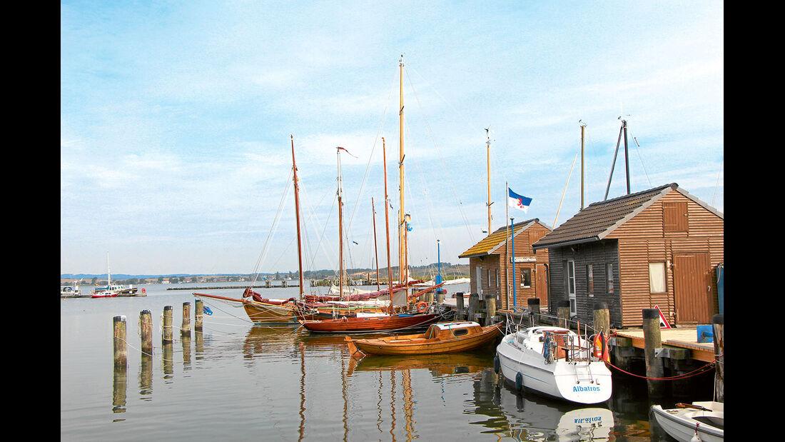 Hafen von Gager.