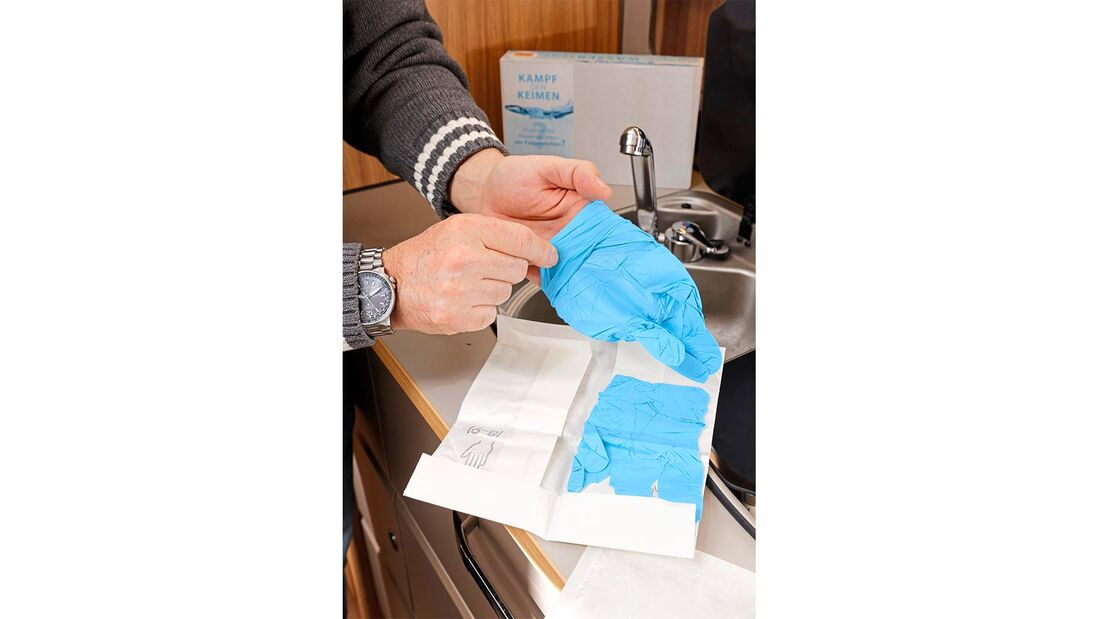 Handschuhe Wassertest-Box für Frischwasseranlage