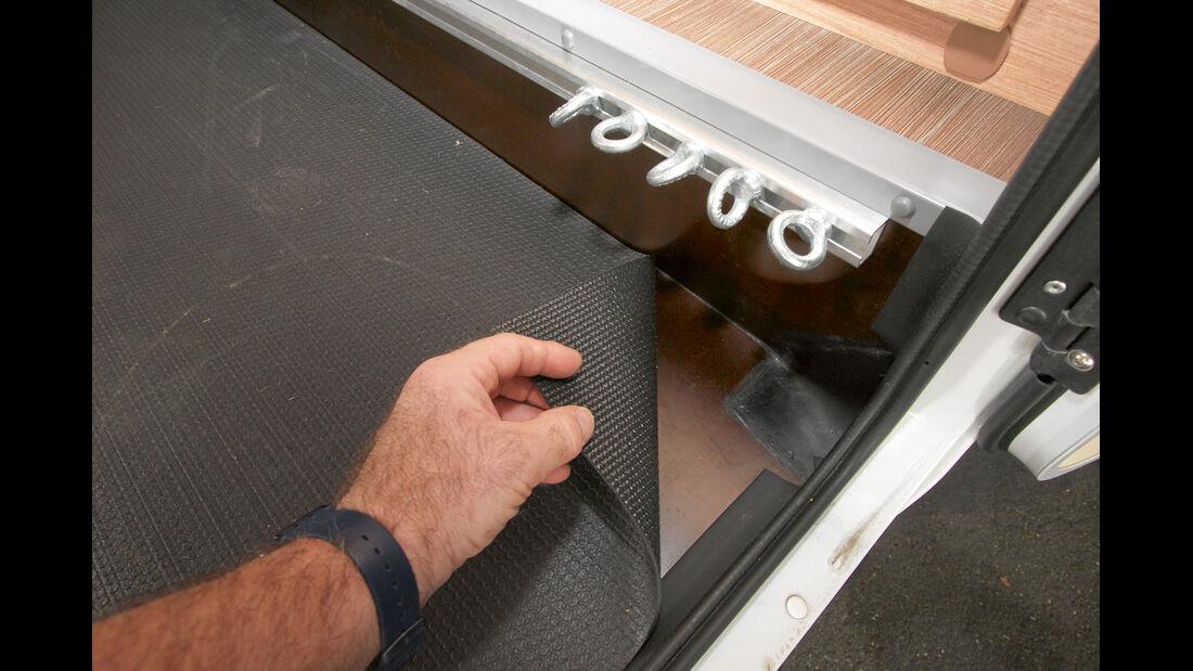 Heckabsenkung aus Siebdruckplatten beim Sunlight T 65