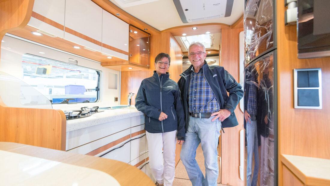 Heidi und Lothar Schleinkofer im Hymer Duo-Mobil
