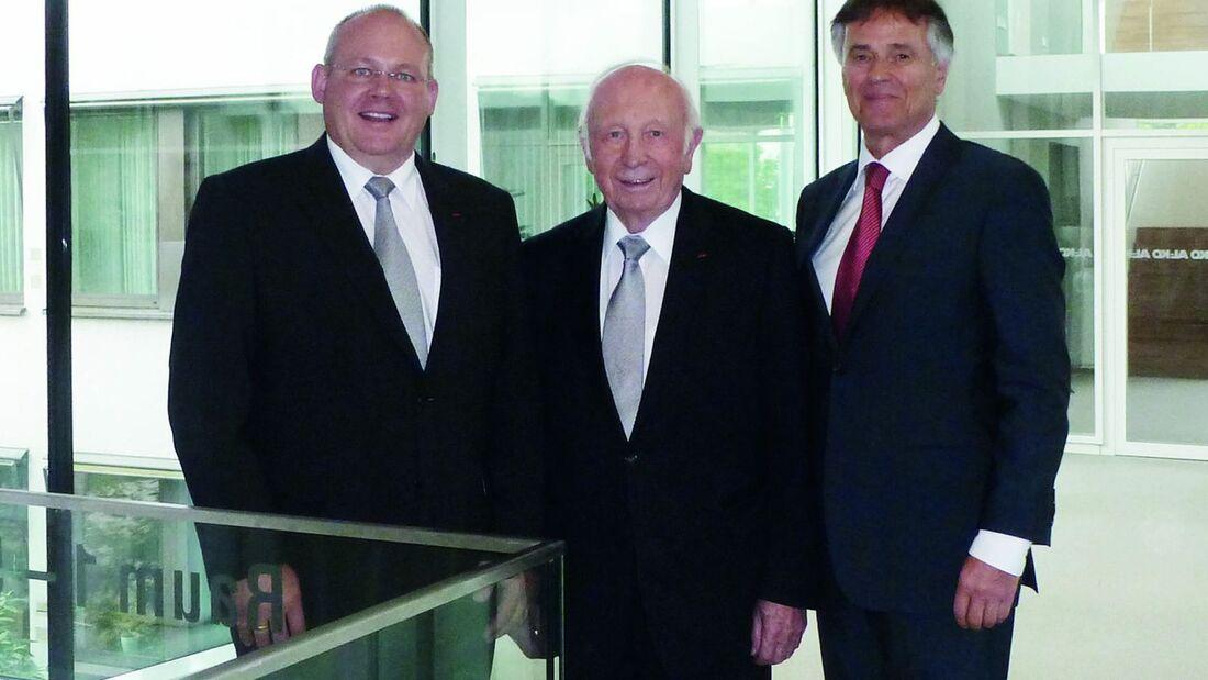 Herbert Kober stellt im Alter von 80 Jahren seinen Platz im Aufsichtsrat und seinen Posten als Vorsitzender des Gremiums zum 4. Juli 2013 zur Verfügung.
