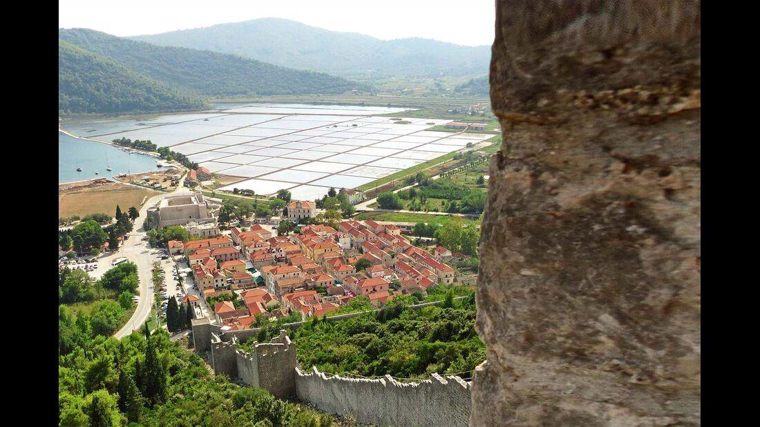 Hier findet sich die längste Festungsmauer Europas, deren Bau bis ins 14. Jahrhundert zurückreicht.