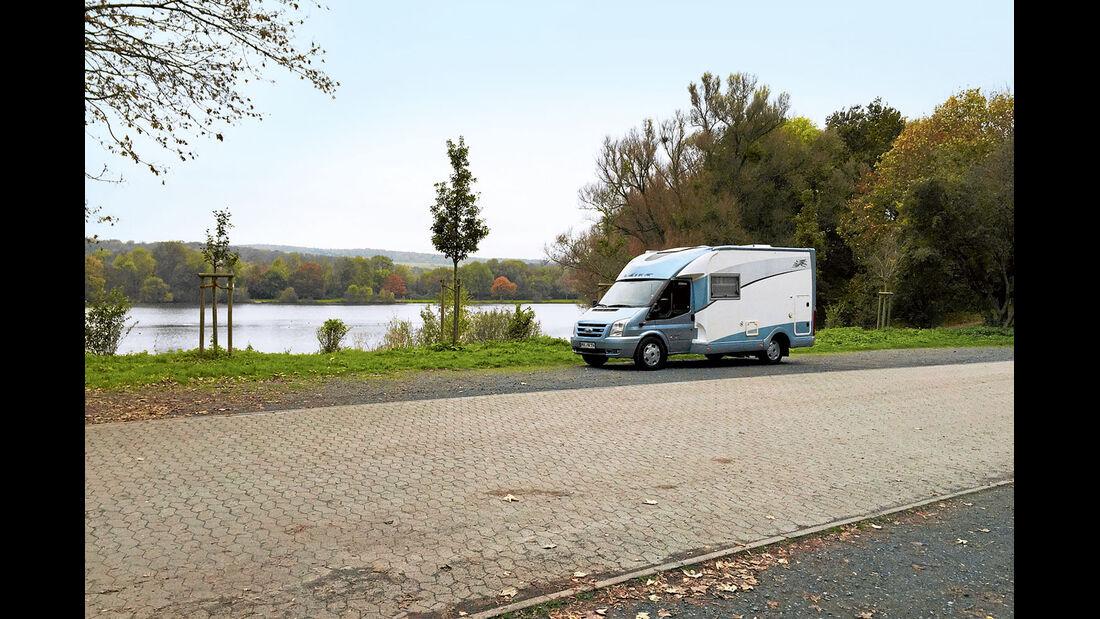 Hildesheim: Die Stellplaetze am Hohnsen-See sind einen Kilometer vom Zentrum entfernt.