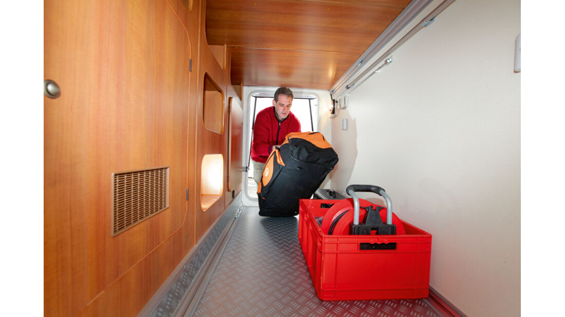 Hobby Van Exclusive DL 500 GESC Garage