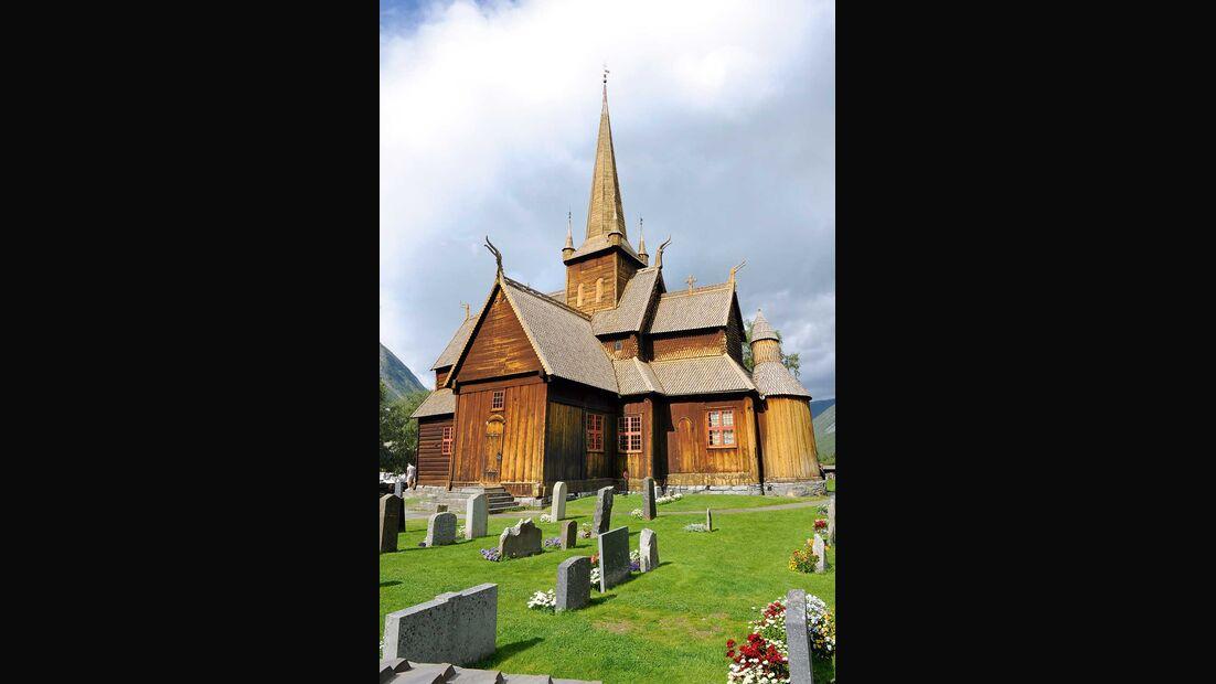 Hölzerne Stabkirche in Lom Norwegen