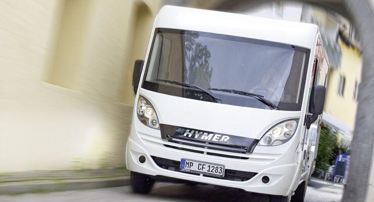 Hymer präsentiert auf dem Caravan Salon 2011 in Halle 17 das erste fahrtüchtige Reisemobil mit Hybridantrieb