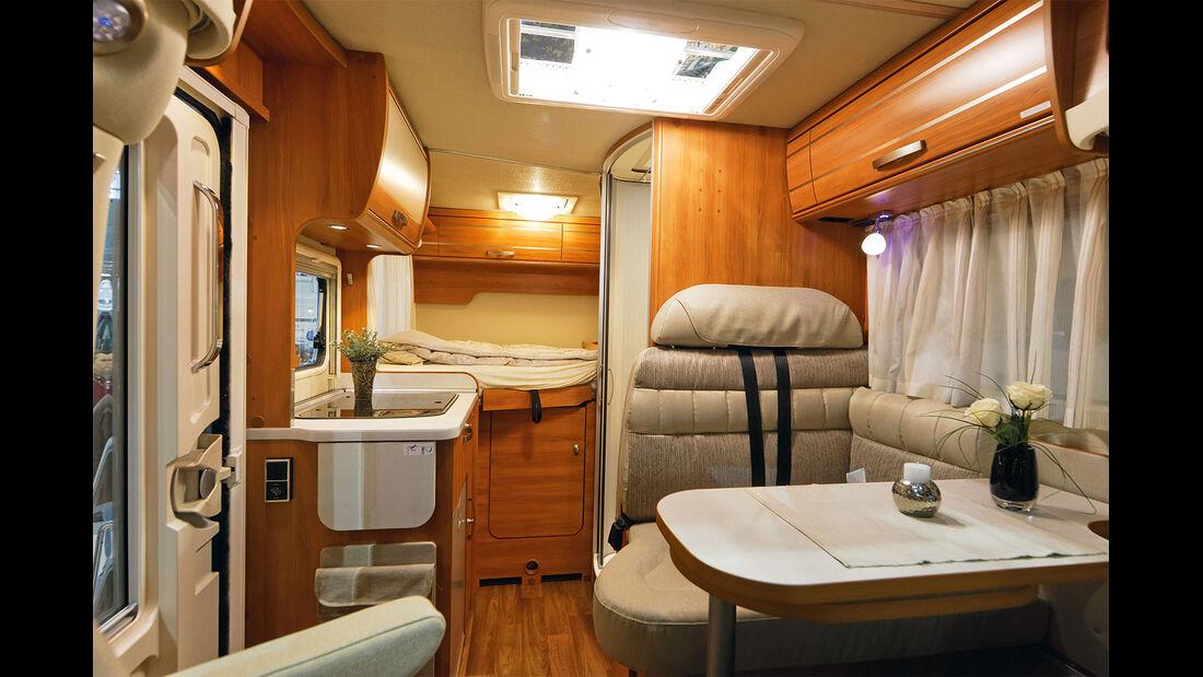 Im ultrakompakten Van 314 fallen Bad und Küche ziemlich knapp aus.