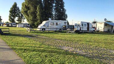 In der Niederlande gibt es jetzt zwei weitere Möglichkeiten um in der Nähe eines Jachthafens sein Wohnmobil abzustellen.