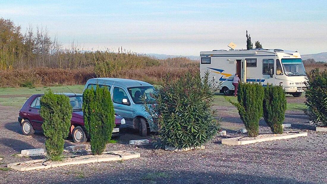 In der kleinen Küstenstadt Nules im Osten des Landes gibt es einen Stellplatz für 60 Mobile mit nur 200 m bis zum Strand.