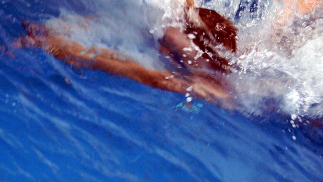 In offenen Gewässern sind wichtige Regeln zu beachten. Tipps von der AOK Baden-Württemberg