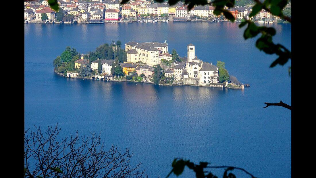 Isola San Giulio im Ortasee Piemont Italien