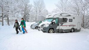 Jedes Jahr aufs Neue eine Herausforderung für die Autofahrer: der erste Schnee.