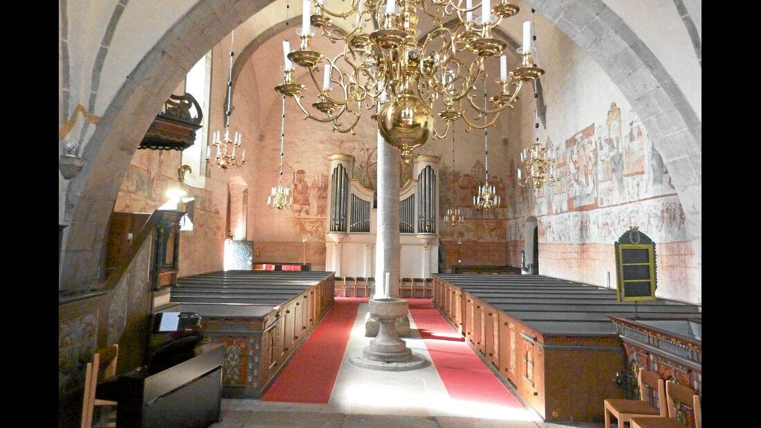 Kalkmalereien in der gotischen Kirche von Bunge.