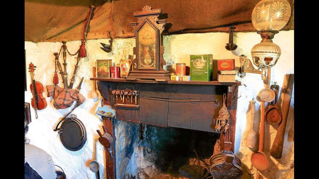 Kaminsims im Skye Museum of Island Life in Kilmuir