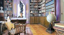 Karl Mays umfangreiche Bibliothek mit Werken zu Sprachen, Religionen, Erd- und Völkerkunde