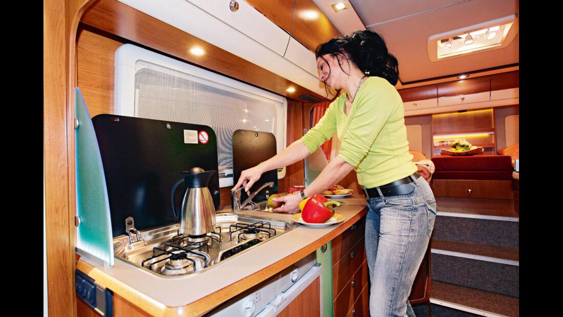 Karmann Colorado 685 TI Küche