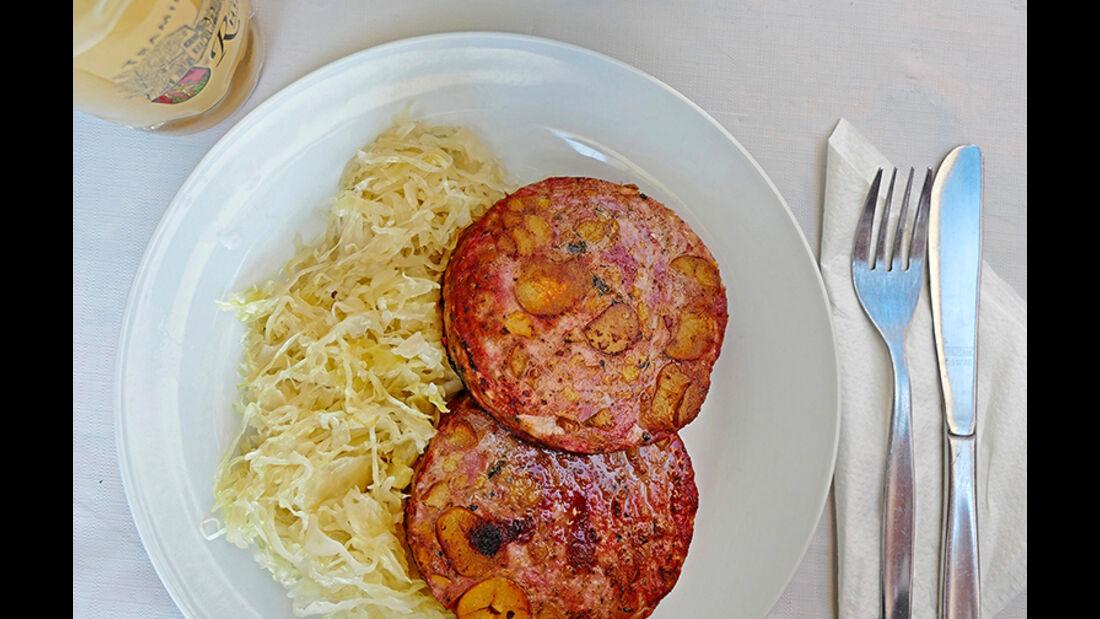 Kastanien- Saumagen mit Sauerkraut.
