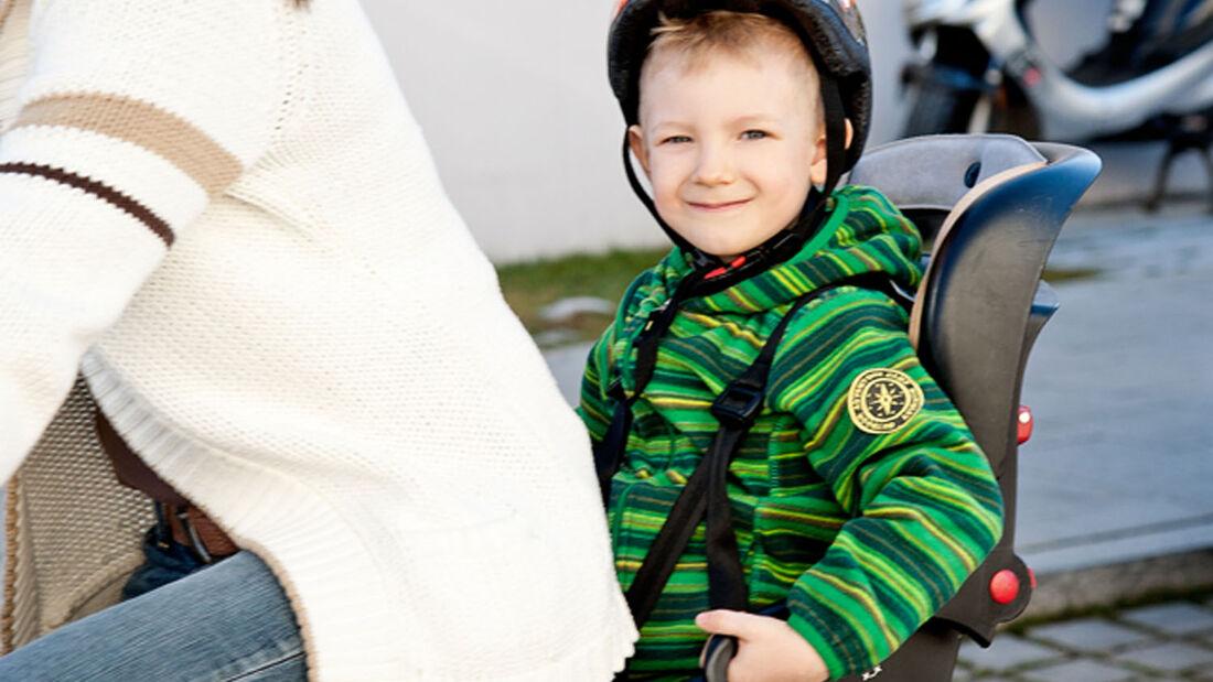 Kindersitz auf Fahrrad