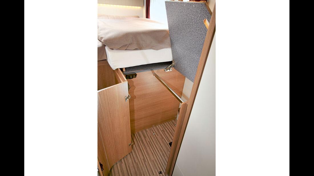 Kleiderschrank unterm Bett mit passablem Zugang beim Malibu T 460
