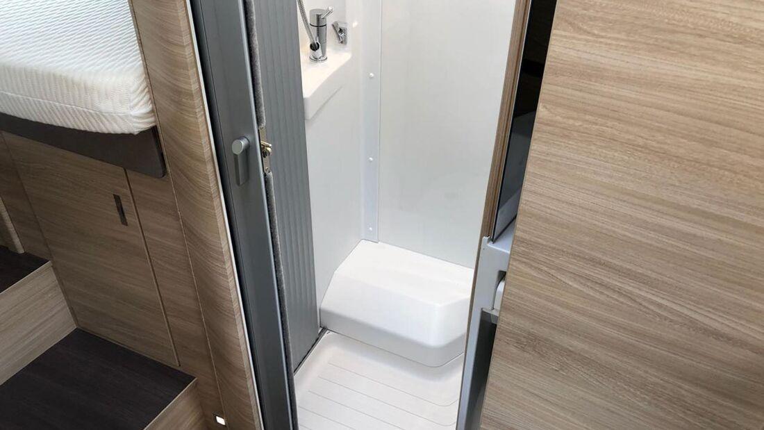 Knaus Van TI Plus auf MAN TGE - Badezimmer