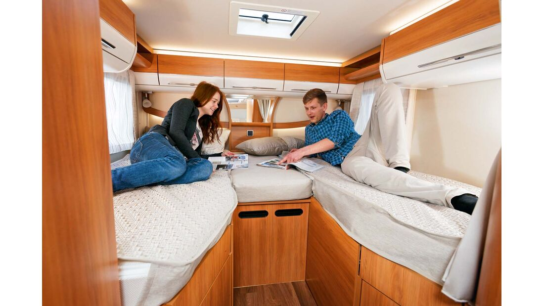 Komfortable Einzelbetten mit Tellerfedern, leichtem Einstieg und viel Kopffreiheit.