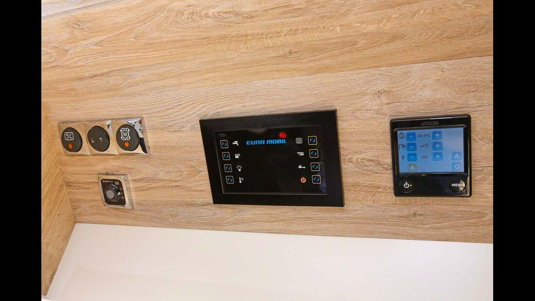 Kontrollbord im Eura Mobil Integra Line 730 EB