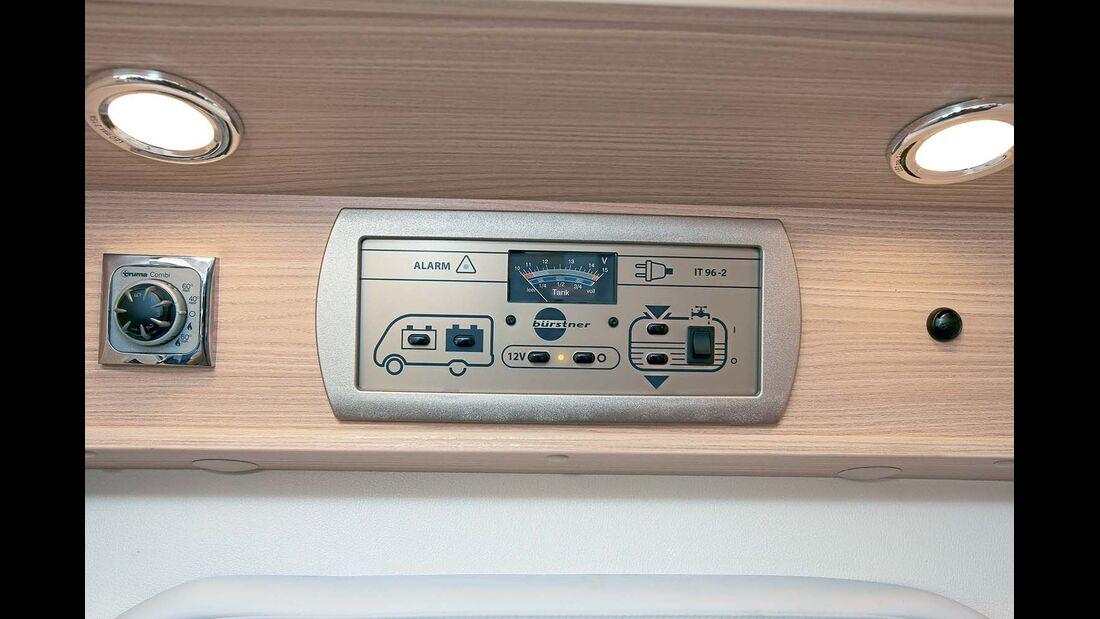 Kontrollbord und Heizungsbedienung beim Bürstner Travel Van t 590 G