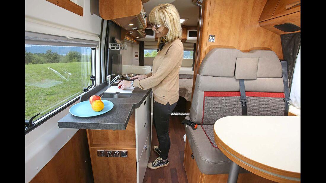 Küche im Malibu Van 600 LE