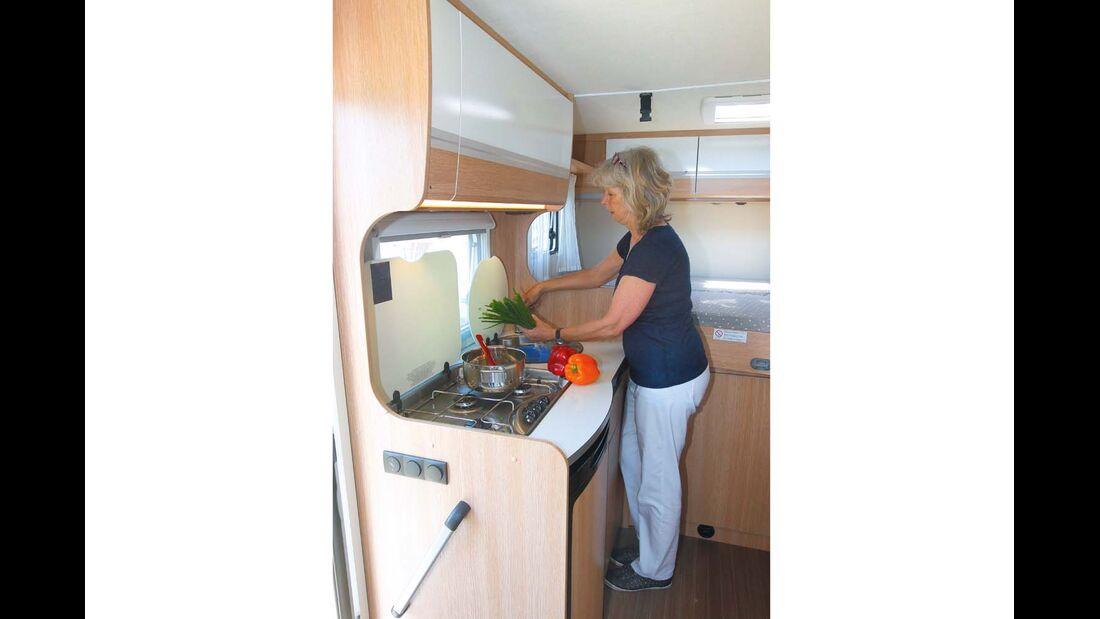 Küchenblock mit wenig Arbeitsfläche im Sunlight T 60