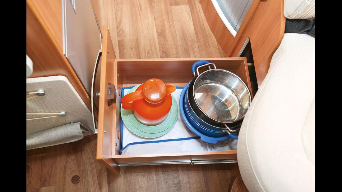 Küchenschublade beim Hymer