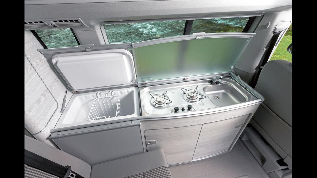 Kühlbox und Küche ab dem Coast serienmäßig