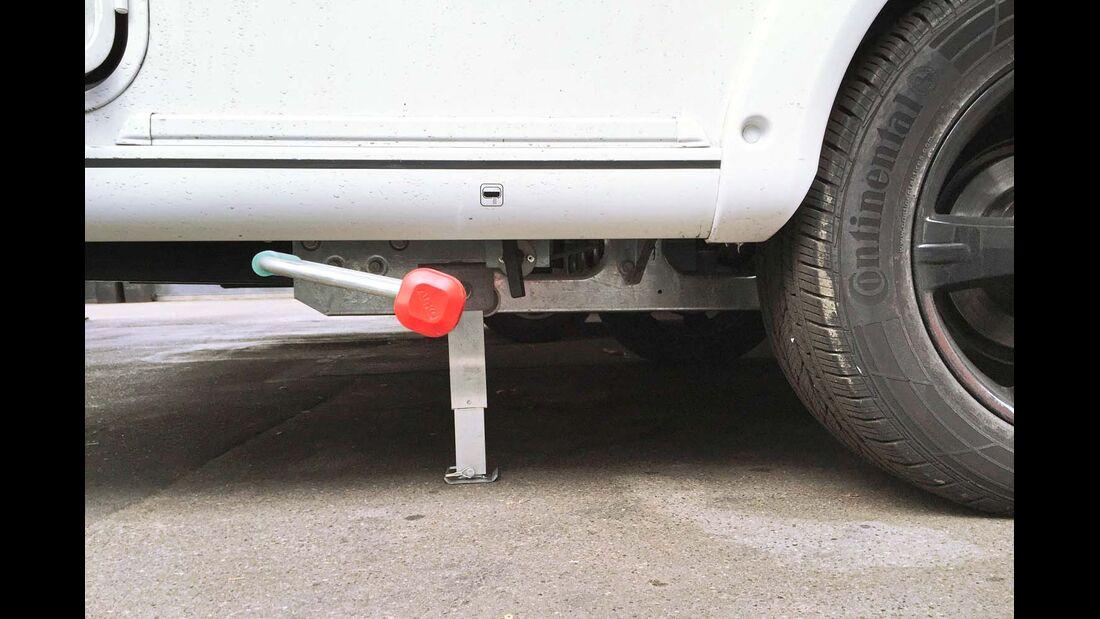 Kurbelstützen sollen das Fahrzeug nicht anheben, sondern stützen.