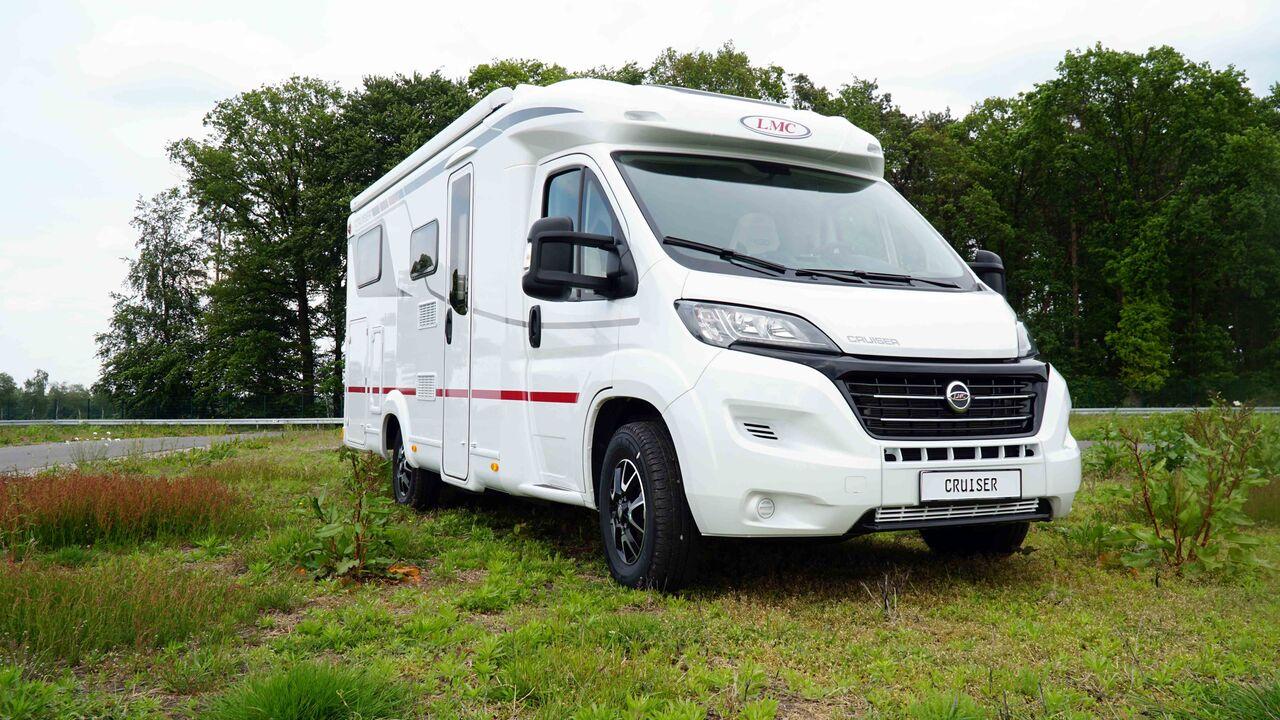LMC: Neue teilintegrierte Wohnmobile fürs Modelljahr 9  Promobil