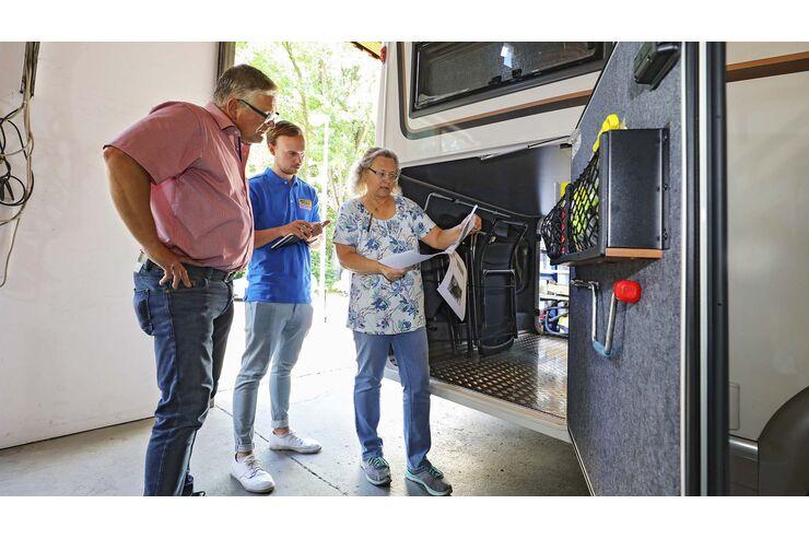 Stauraum im Wohnmobil optimieren: Alles dabei – aber sicher!