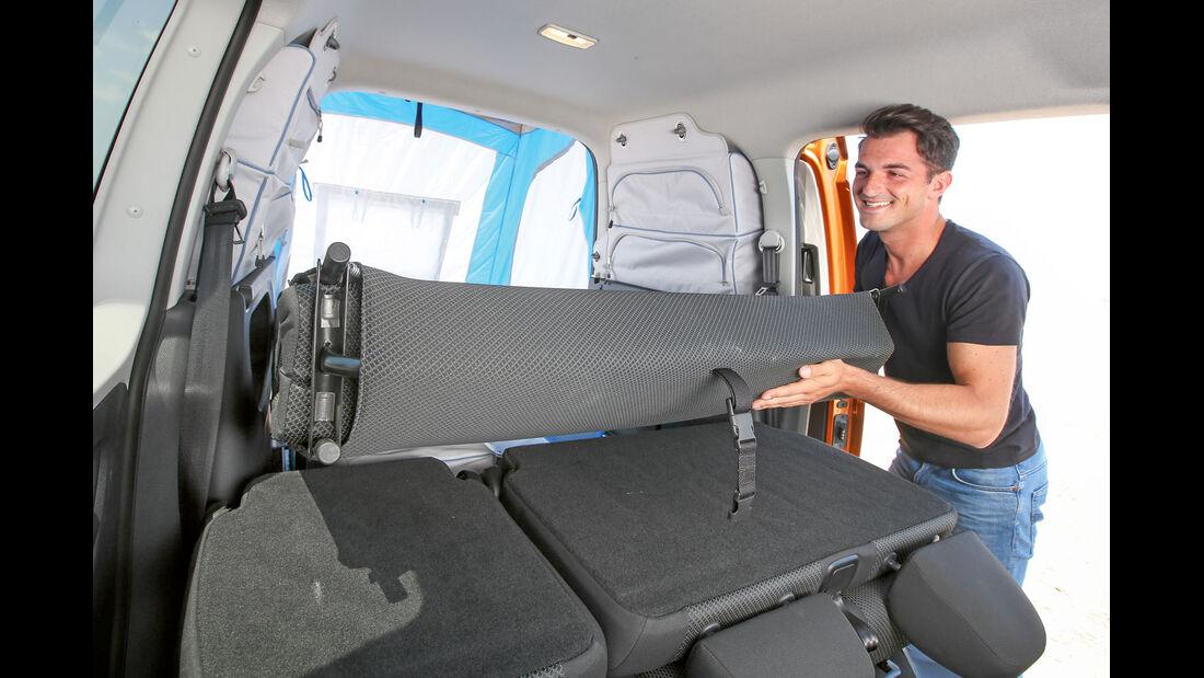 Lehnen um-, Bett ausklappen beim VW Caddy