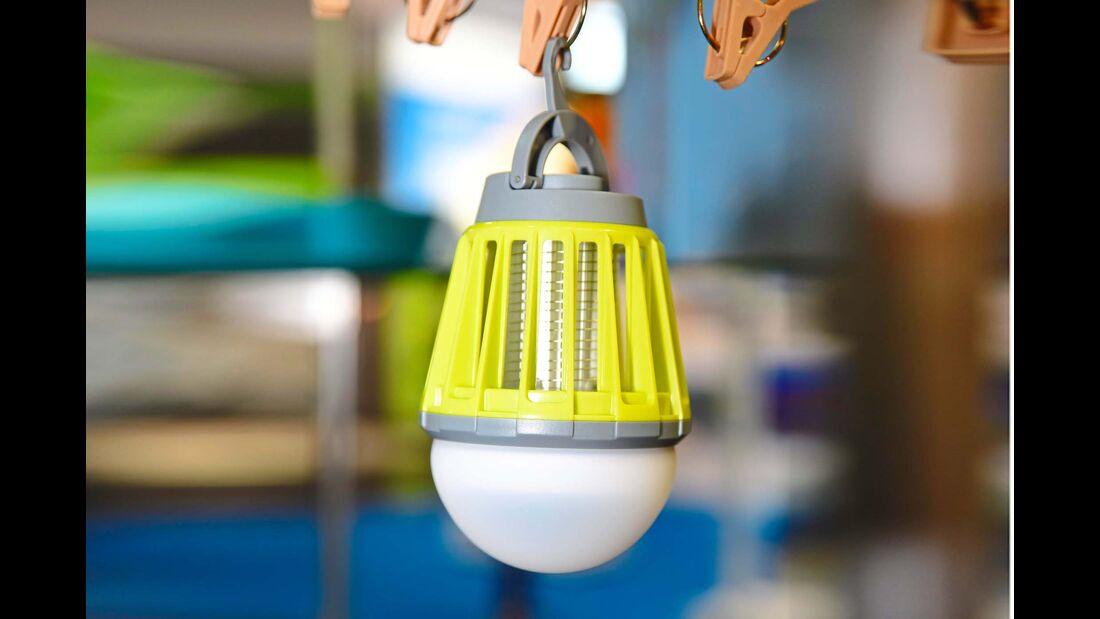 Licht und Insektenschutz verspricht die neue Campingleuchte von Reimos Eigenmarke Carbest.