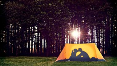 Liebesleben Lust beim Camping Zelt