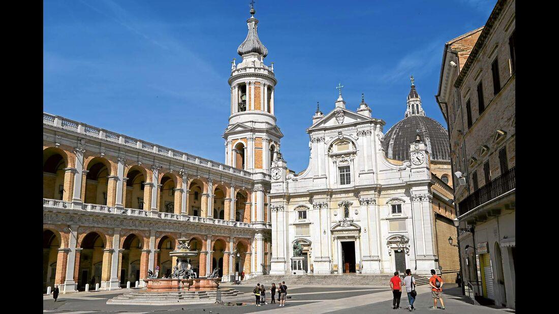 Loreto zählt neben Lourdes zu den bedeutendsten Marienwallfahrtsorten der Welt.