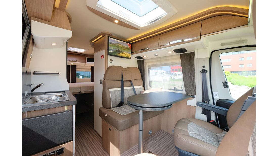 Malibu Van Charming Coupe (2020)