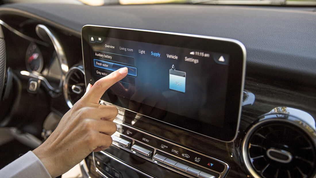 Mercedes Benz Connectivity