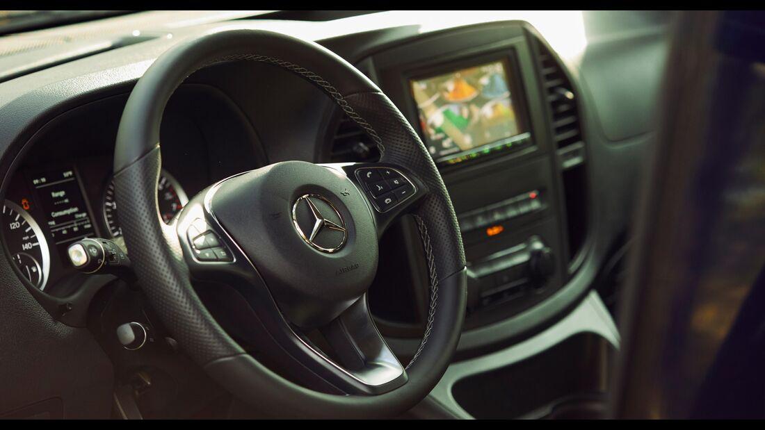 Mercedes-Benz Weekender (2020)