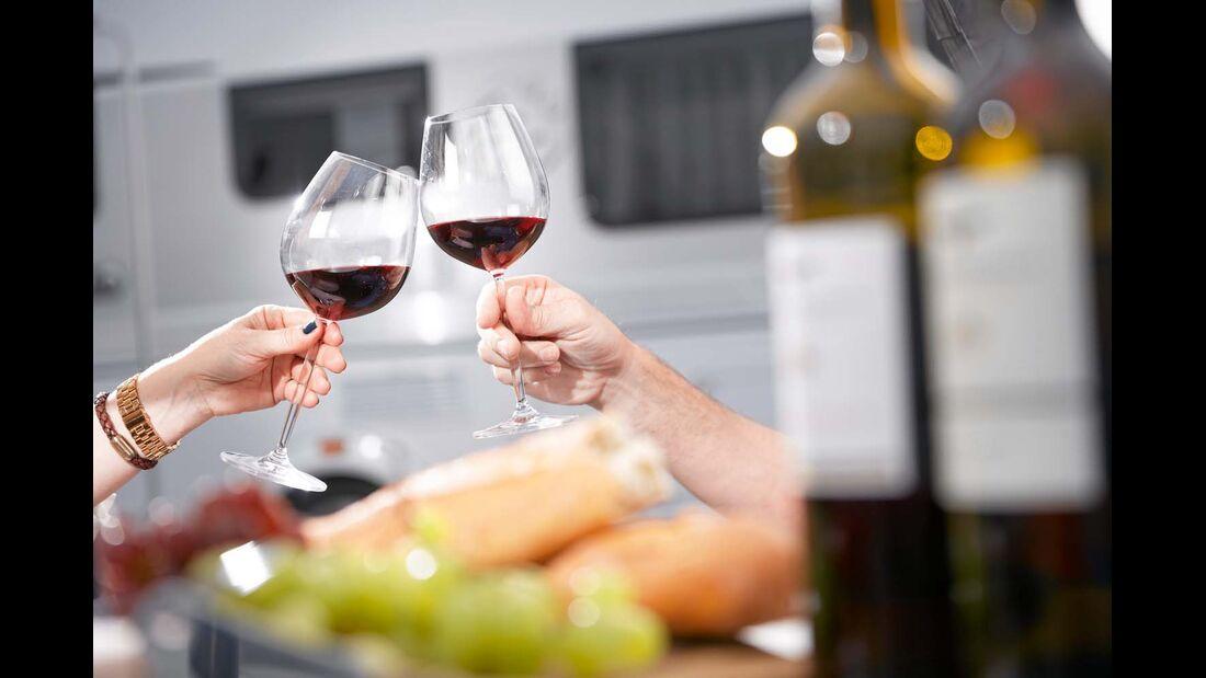 Mit dem RHEINGAU und der HESSISCHEN BERGSTRASSE beheimatet Hessen zwei Weinregionen mit zahlreichen Raritäten.