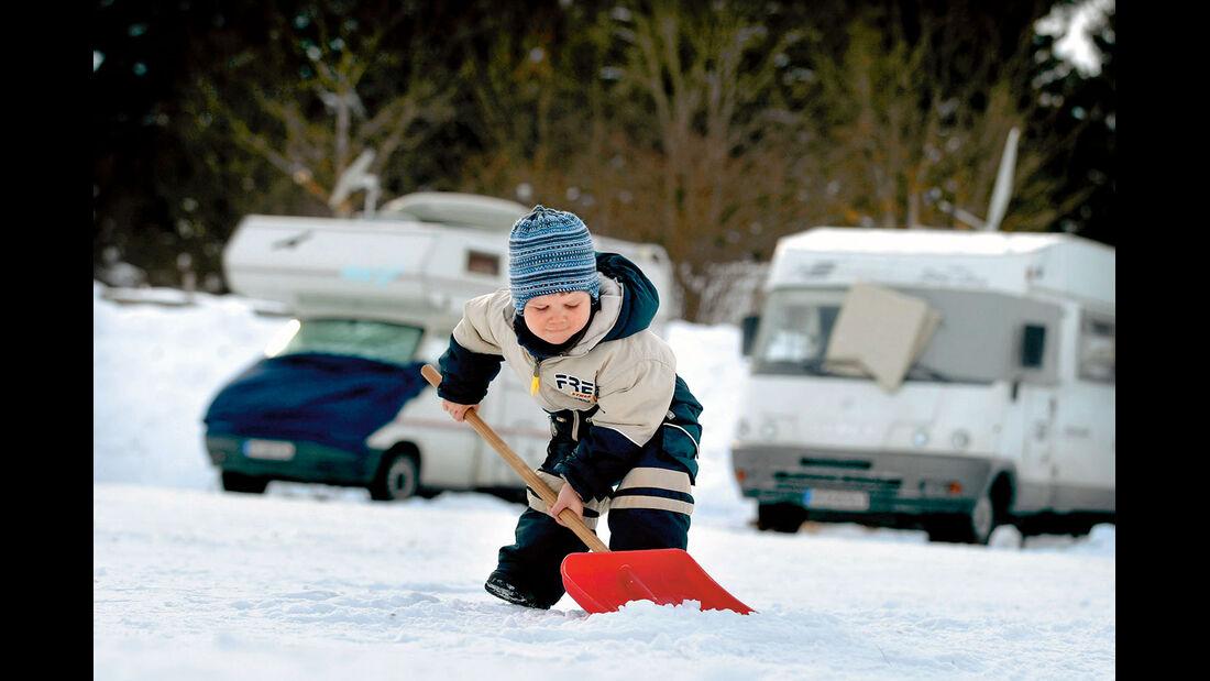 Mit der Familie mal zum Wintercamping.