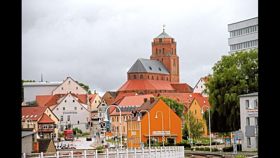 Mit der Grablege in der St.-Petri- Kirche und der St.-Gertrud-Kapelle wartet Wolgast gleich mit zwei außergewöhnlichen Backsteinbauten auf.