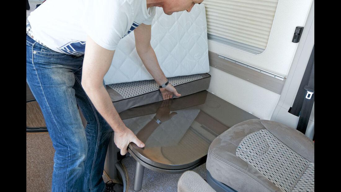 Mit einem Zusatzpolster entsteht ein kurzes Gaestebett.