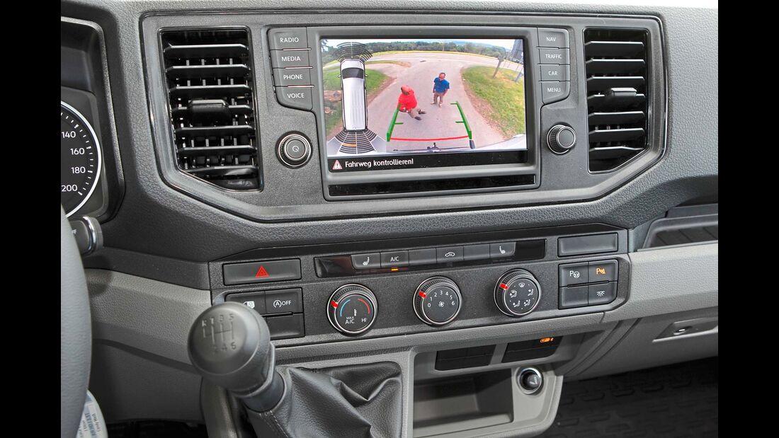 Mit größerem Touchscreen und besserem Kontrast kann der Naviceiver mit Rückfahrkamera überzeugen.